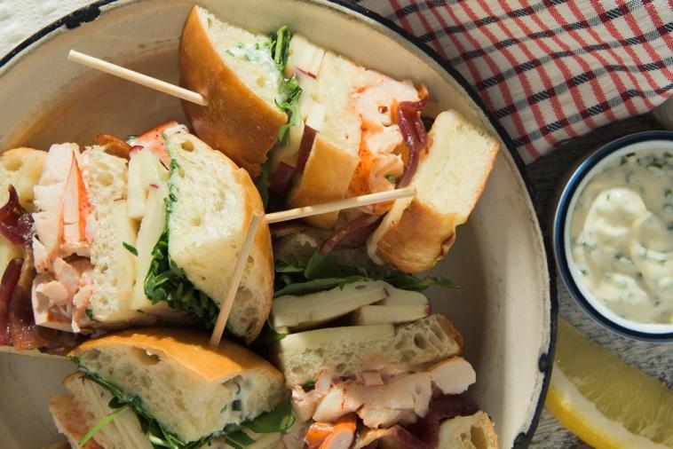Club sandwich au homard et mozzarella Le Gratiné St-Guillaume