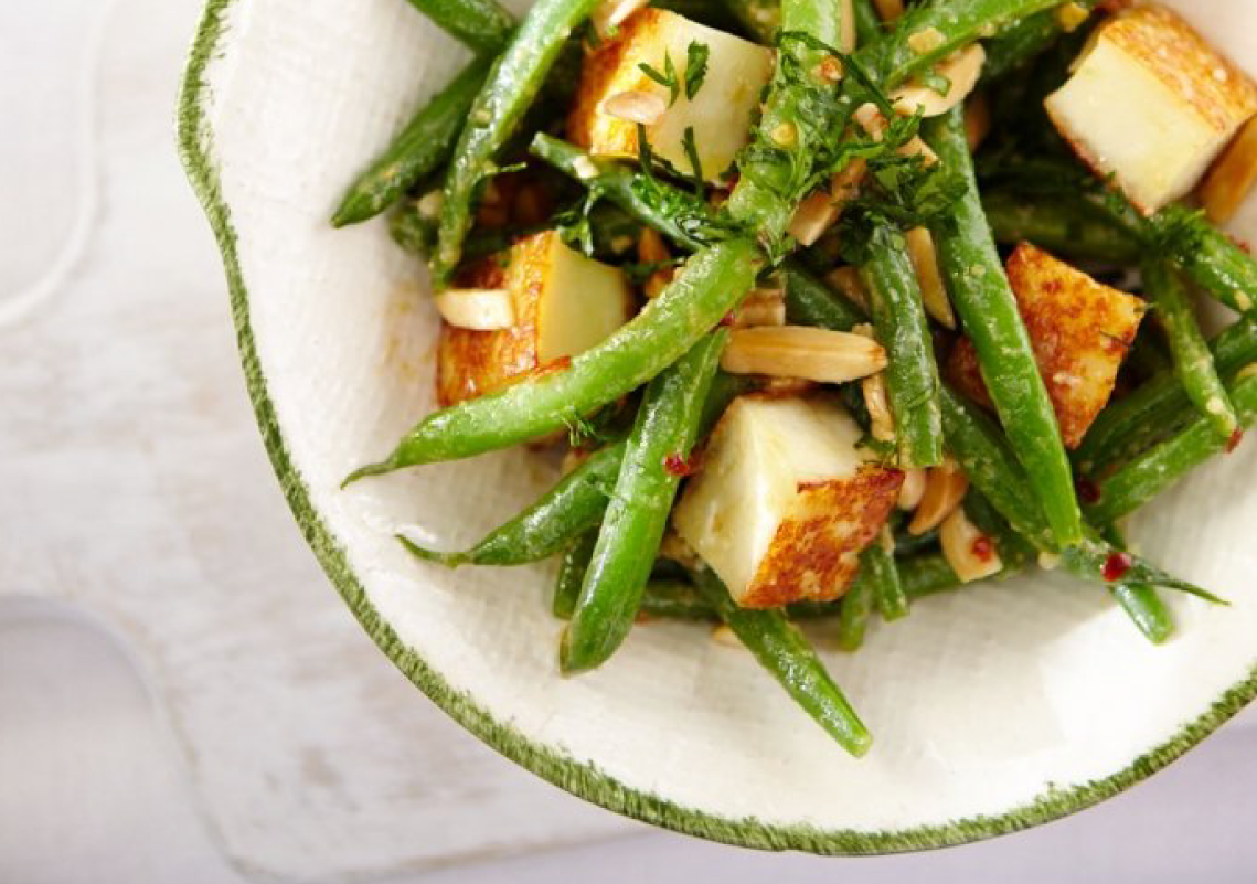 Salade tiède aux haricots verts et au Baya Halloumi